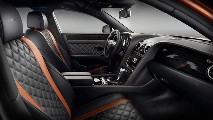 Sportif İç Mekan Görünümüyle Parlayan Bir Bentley Modeli