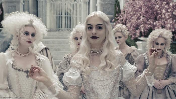 Beyaz Kraliçe - Alice in Wonderland/ Alice Harikalar Diyarında
