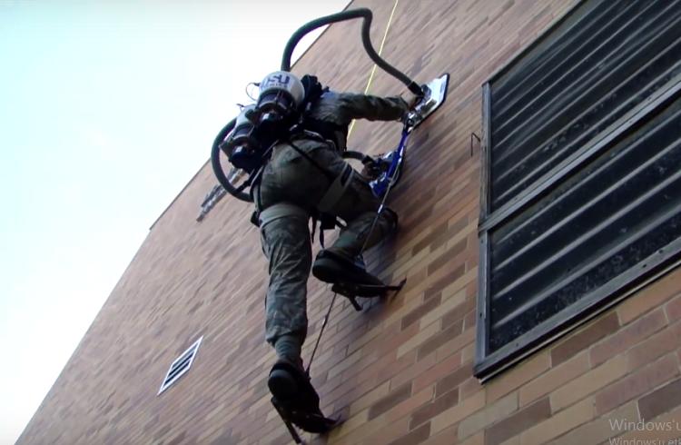 Binalara Tırmanmak için Örümcek Tarafından Isırılmanıza Gerek Yok!