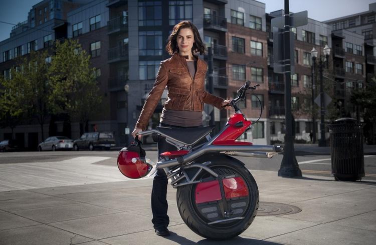 Motor Kullanmayı Çok Daha Keyifli Hale Getiren, Tek Tekerlekli Motosikletle Tanışın!