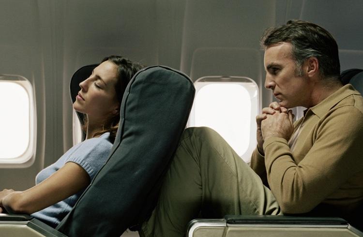 Uçak Koltuklarınızı Neden Dik Tutmanız Gerektiğini Merak Etmiş miydiniz?