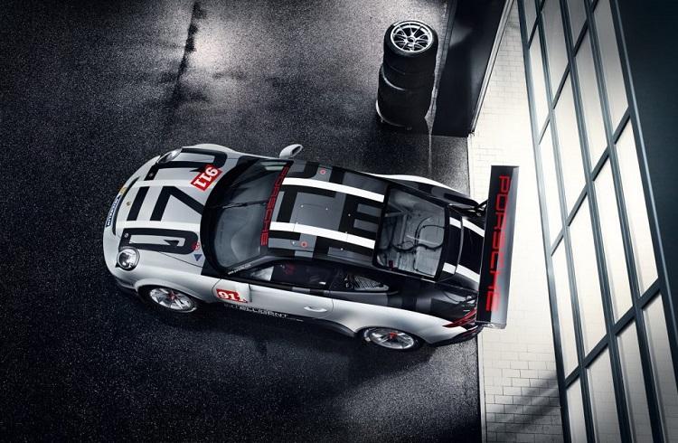 """Hibrit Araçları Tamamıyla Unutturacak Eşsiz Bir Yarış Arabası: """"2017 Porsche 911 GT3 Cup"""""""