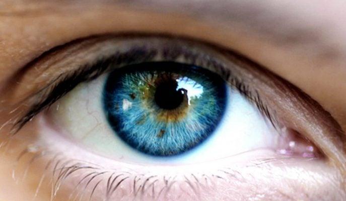 Mükemmel Bir Göz Teması Kurmak için Yapılması Gereken 3 Şey!