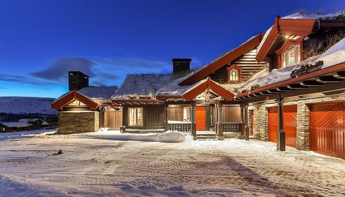 Norveç'in En Prestijli Bölgesine Yerleştirilmiş Lüks Bir Ev