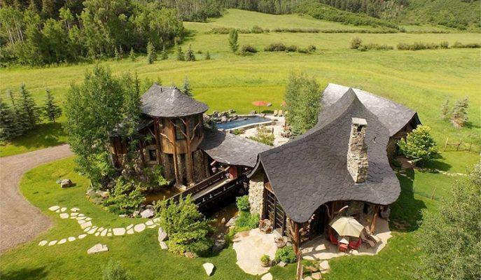 """Hayallerinizi Gerçeğe Dönüştürecek Sevimli Bir Çiftlik Evi: """"Circle R"""""""