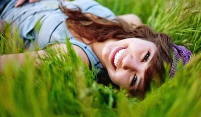 Hayata Gülümseyerek Bakmak için Ne Yapmalıyım?
