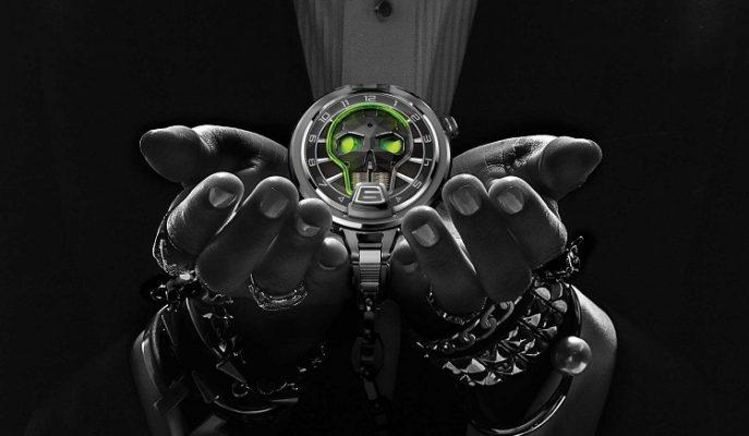 """Mekanik Aydınlatmalı Etkileyici Bir Cep Saati: """"HYT Skull Pocket Watch"""""""