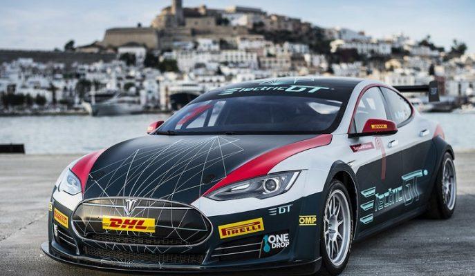 Tesla Model S Yarış Versiyonu ile Tanışın!