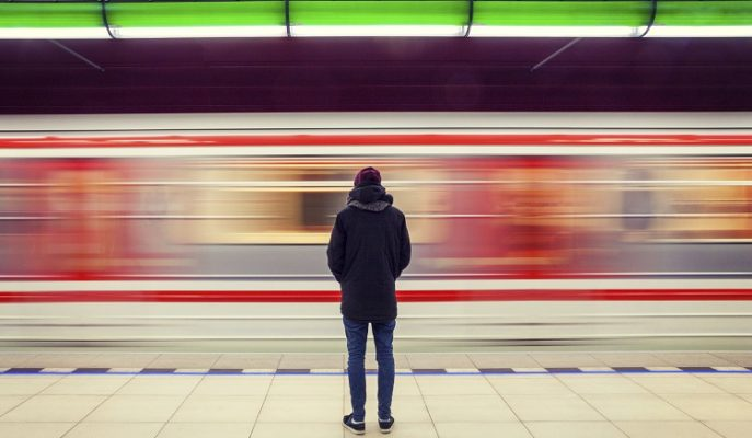 Yalnız Yaşayan İnsanlar Neden Daha Güçlü?
