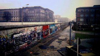 Berlin Duvarı: Yapılışı, Yıkılışı, Hakkında Bilgiler ve Filmler