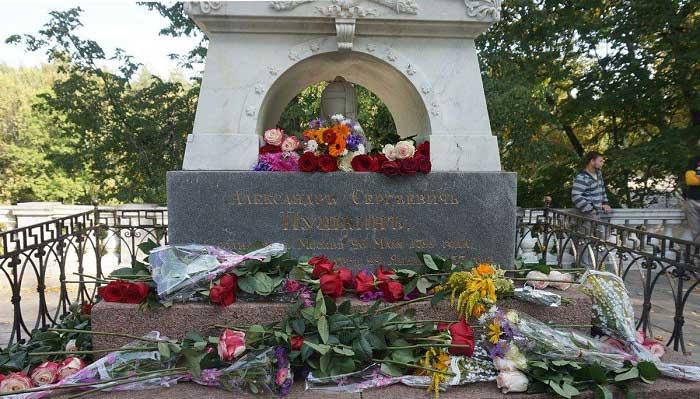 Aleksandr Puşkin'n Mezarı