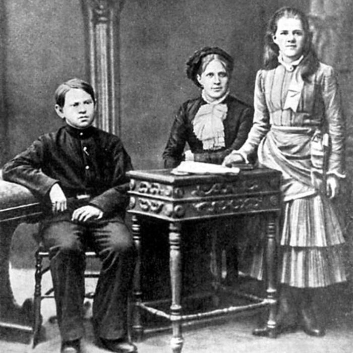 Dostoyevski Ailesi