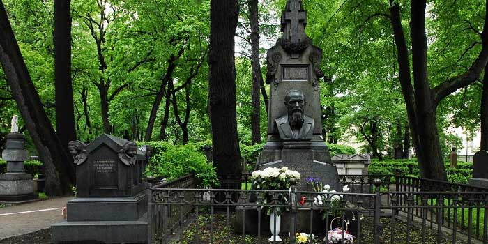 Dostoyevski Mezarı