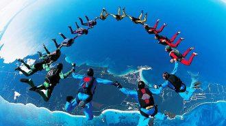 Gökyüzü Dalışı (Skydiving) ile Özgürce Süzülen Serbest Paraşüt Sporcuları