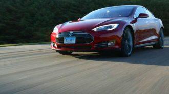 Tesla Motors Binlerce Aracını Neden Geri Çağırıyor?