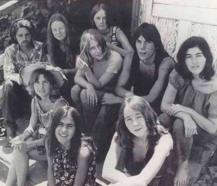 Manson ve Hippi Arkadaşları