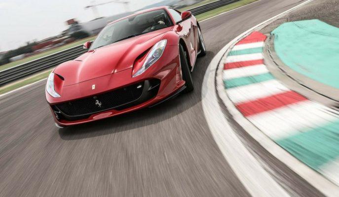 2018 Yeni Ferrari 812 Superfast: İsmi Gibi Fazlasıyla Hızlı Bir İtalyan!