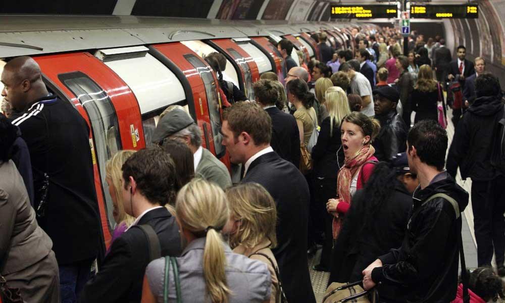 Metro İstasyonlarına Dikkat!
