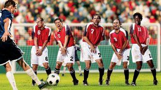 Futbol Maçlarında Yaşanan Birbirinden Komik Olaylar