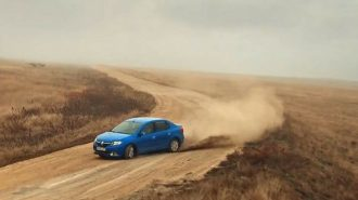 Renault'un Rusya'da Çektiği Abartılı Logan Reklam Filmi