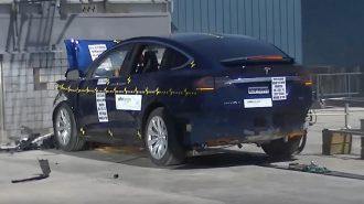 Tesla Model X'in Çığır Açan Çarpma Testi!