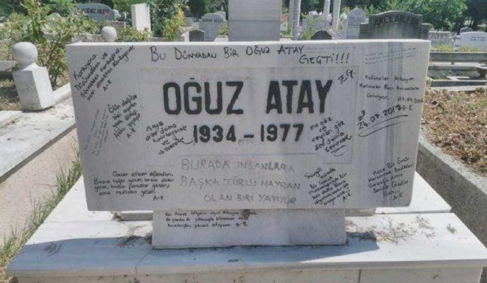 Oğuz Atay'ın Mezar Taşındaki Yazılar Silindi