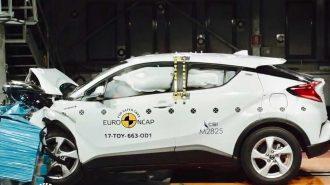 Toyota'nın Yeni Hibrid Crossover'ı C-HR'ın Çarpışma Testi Görüntüleri