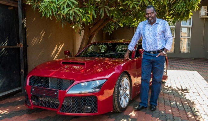 Afrikalı Mühendis Küçüklük Hayalini Gerçekleştirip Kendi Spor Arabasını Yaptı!