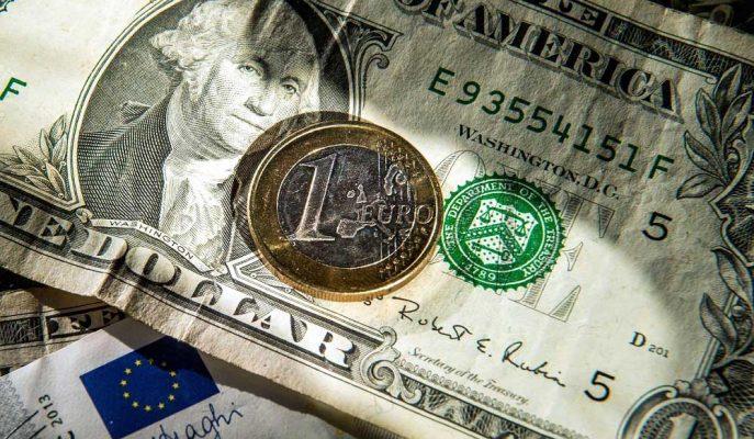 Euro, Dolar Karşısında Gün İçi En Düşük Seviyesini Gördü