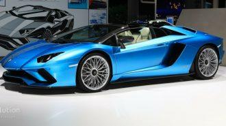 2018 Yeni Lamborghini Aventador S Roadster: Üstsüz Boğa Sahnelerde!