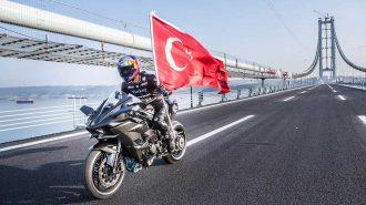 Kenan Sofuoğlu'nun Osmangazi Köprüsünde 400 km Hıza Çıktığı Muhteşem Performans