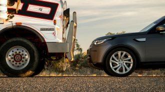 Land Rover Discovery Toplam Ağırlığı 110 Ton Olan Kamyonu Çekiyor!