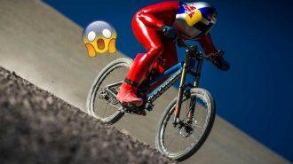 Bisiklet ile Dağın Tepesinden İnerek Kırılmış Hız Rekoru