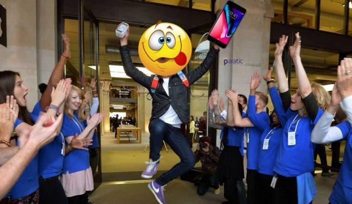 iPhone X Alma Yarışında Varılan Son Nokta: Cihaz Değil Kuyruk Sıraları Bile Karaborsada!