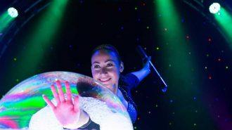 Köpük ile Yapılan Balon Gösterisini Hayranlıkla İzleyeceksiniz