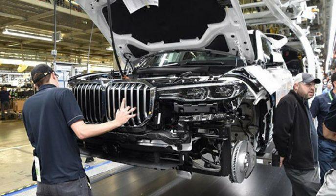 BMW'nin En Büyük Böbrek Izgaralı Aracı X7 SUV'un Üretim Görüntüleri
