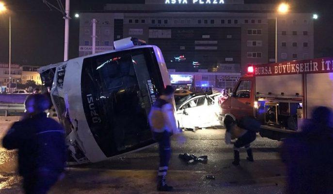 Bursa Renault Fabrikası İşçilerinin Geçirdiği Trafik Kazasından Sonra Üretimi Askıya Aldı!