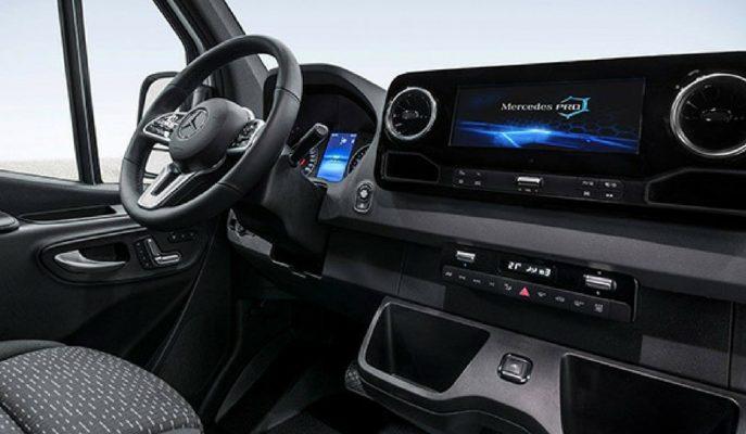 Mercedes Yeni Sprinter Modelinin Kokpitini C Serilerinden Aşağı Tutmamış!