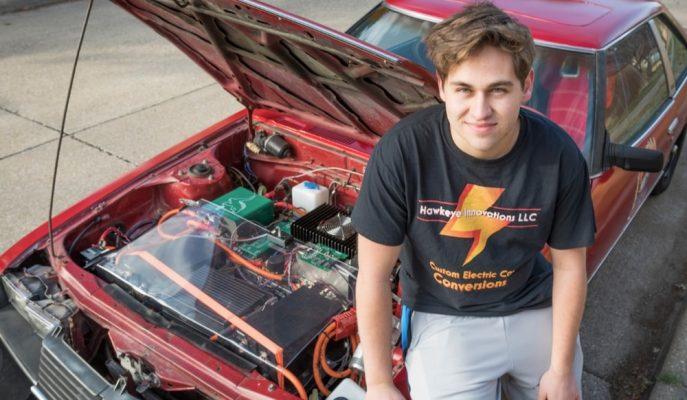 1980 Model Celica'sını Elektrikli Araca Dönüştüren Genç Adam!