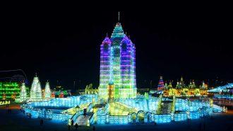 Çin'de Düzenlenen Buz Festivalinden Etkileyici Görüntüler