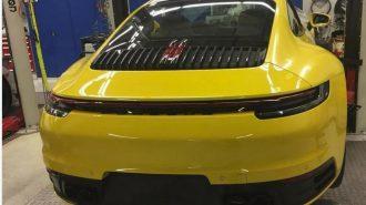 Instagram Takipçisi 2019 Porsche 911'i Gününden Önce Bir Tamirhanede Yakaladı!