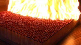 Binlerce Kibritin Ateşe Verildiği Domino Etkisi Yaratan 5 Görüntü