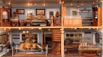 Her Bir Objenin Minimize Edildiği Etkileyici Minyatür Ev