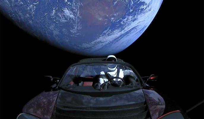 Tesla Roadster'in Uzay Yolculuğunu Merak Edenler için Takip Etmek Mümkün!