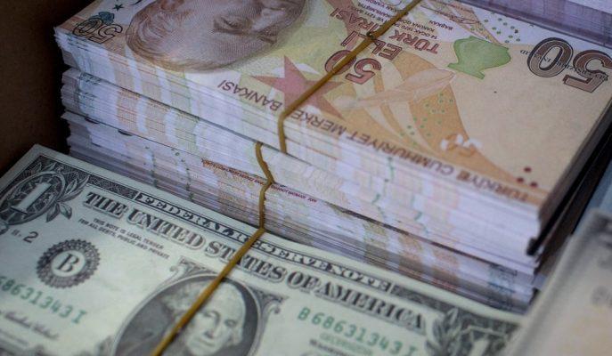 Dolar Haftaya 3,96'dan Başlarken, Türk Lirasında Değer Kaybının Sürmesi Bekleniyor