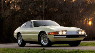 Lamborghini Katili 1971 Ferrari 365 GTB/4 Daytona İnanılmaz Bir Fiyata Satıldı!