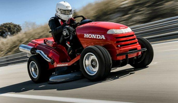 """Honda'nın Otomobillerden Hızlı """"Çim Biçme Makinesi"""" Çok Konuşulacak!"""