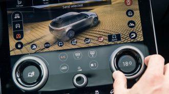 Jaguar – Land Rover BlackBerry'nin Next Gen Eğlence Sistemine Geçiyor!