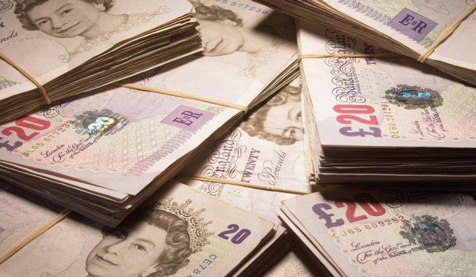 Sterlin Brexit Krizi ile Dolar ve Euro Karşısında Gerilemeye Devam Ediyor