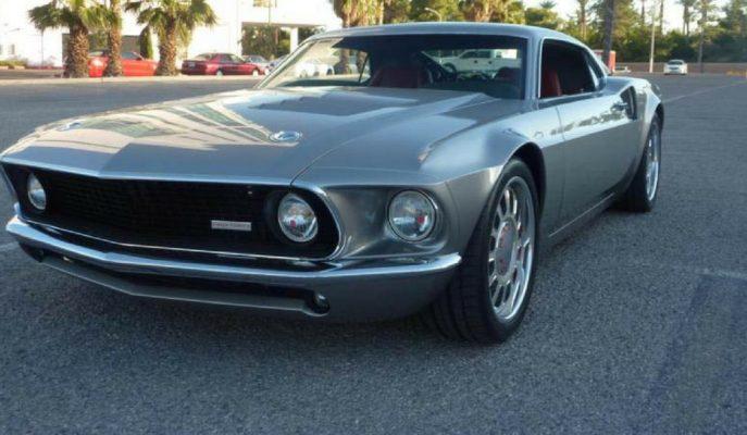 """Ford'un Mustang & GT Birleşiminden Doğan Ortadan Motorlu """"Mach 40"""""""